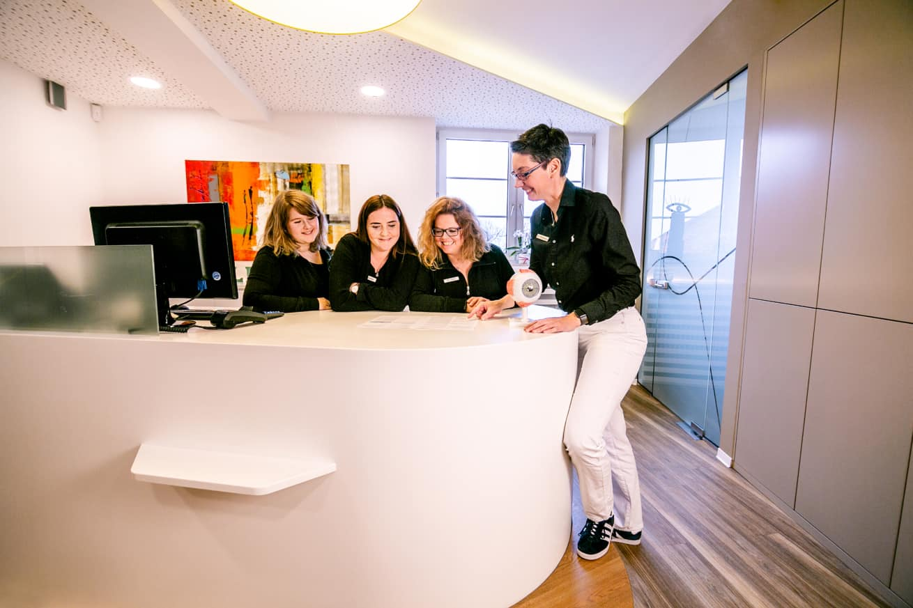 Das IVOM-Team der Augenarztpraxis in Ettlingen