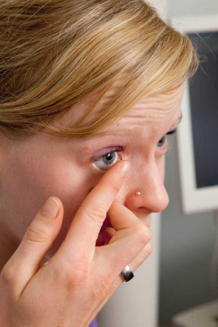 Kontaktlinsenberatung & Kontaktlinsenkontrolle beim Augenarzt in Ettlingen
