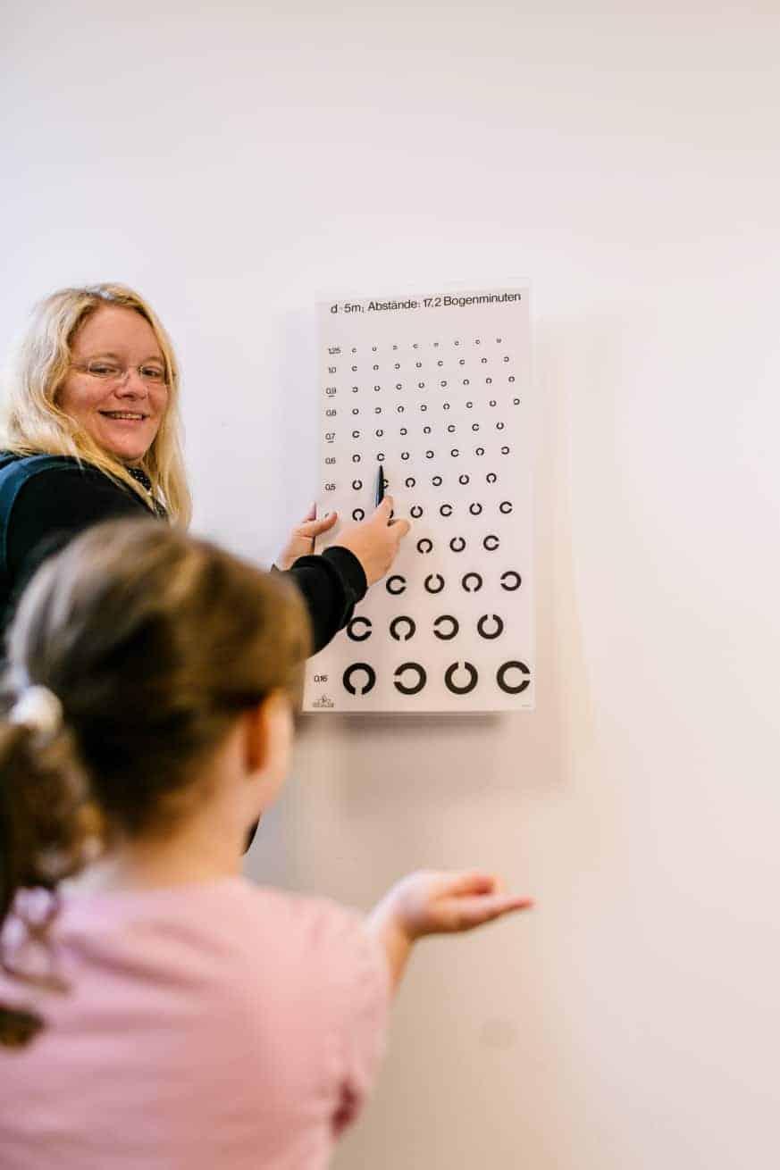 Sehtest in der Sehschule - Sehschule für Kinder Ettlingen