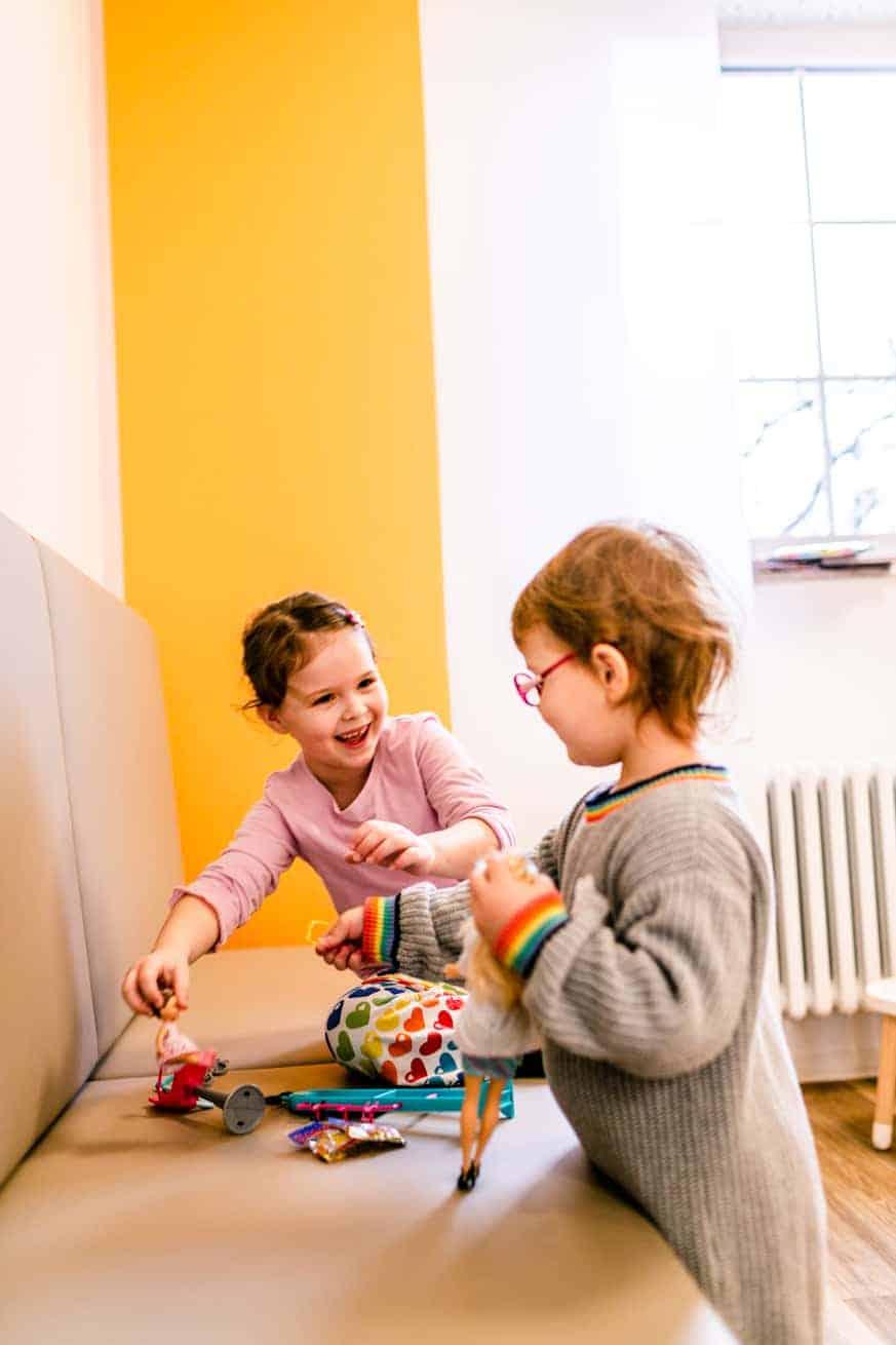 Wartebereich für Kinder - Kinderaugenarztpraxis & Augenarztpraxis Dr. Schubert in Ettlingen