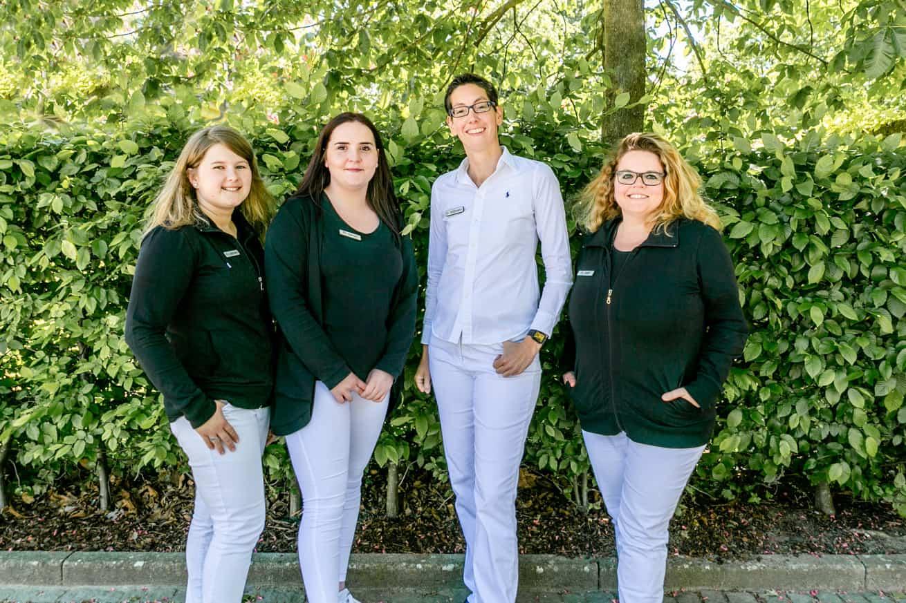 Dr. Andrea Wißmann mit ihrem Makula-Team / IVOM-Team der Augenarztpraxis in Ettlingen